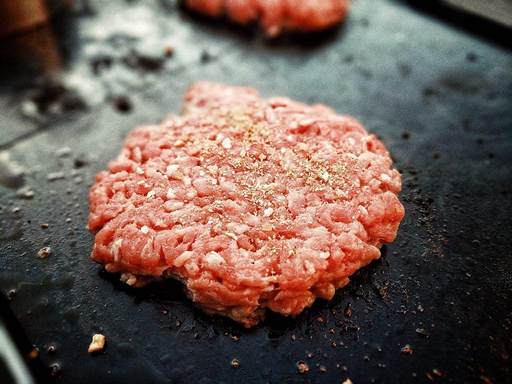 Smashburger on the Plancha
