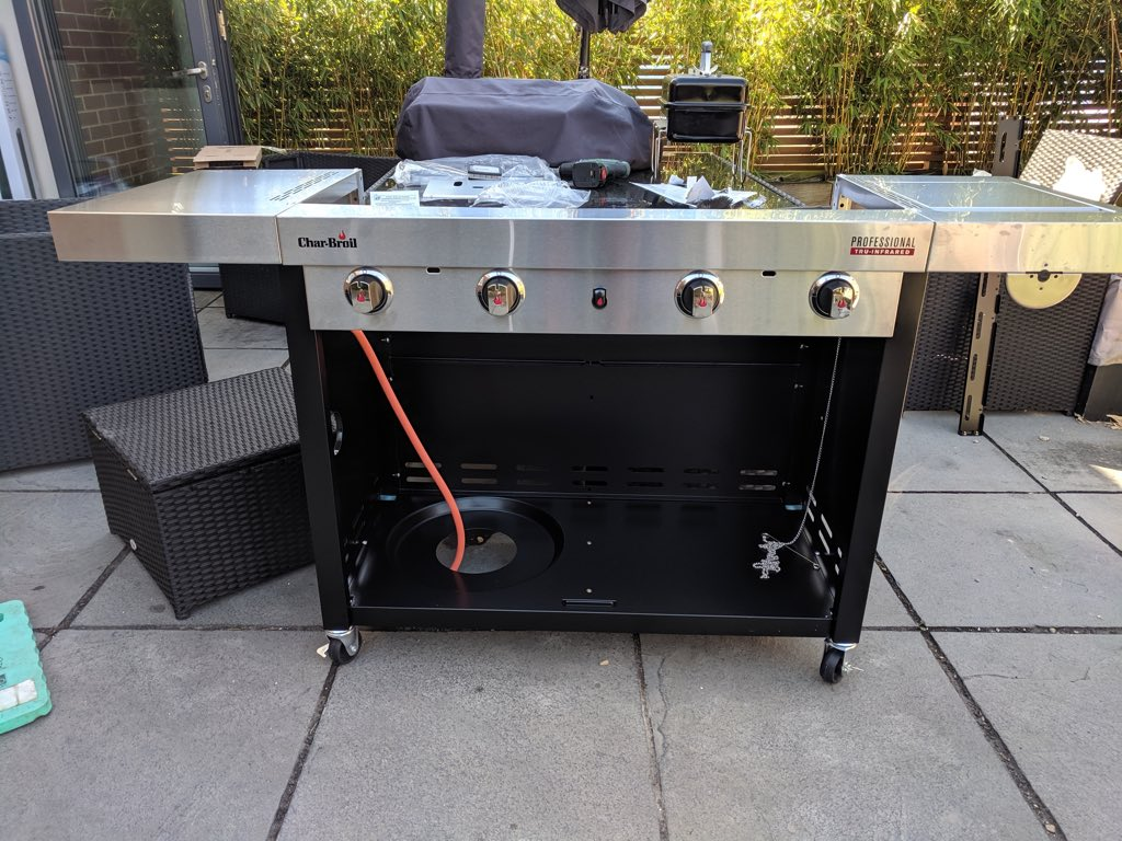 Half build Char-Broil S4800