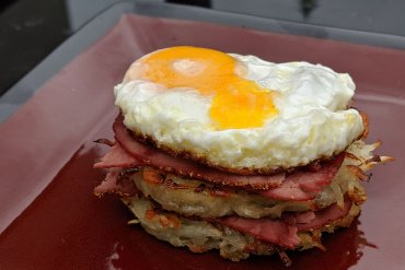 Rosti with Pastrami and Egg