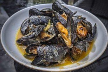 Thai Green Mussels